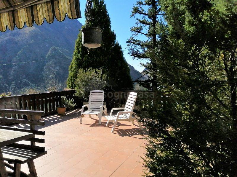 Trilocale con giardino e splendida terrazza panoramica